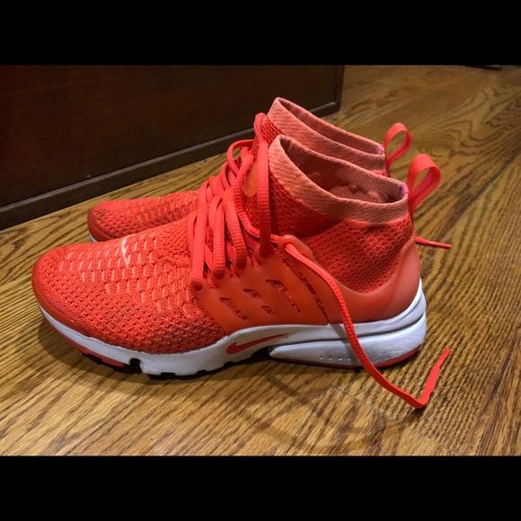 b04485798ef9 Nike Women s Air Presto Flyknit Ultralow Lifestyle.  M 5a92b8d49a94558456a1e484